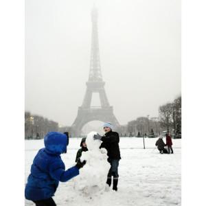 snow-paris_1781673i